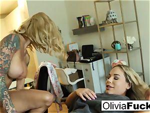 Creepy torrid massagist tempts dumb platinum-blonde