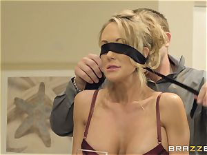 The spouse of Brandi love lets her smash a different boy