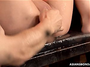 japanese blower got her ginormous twat greased and toyed