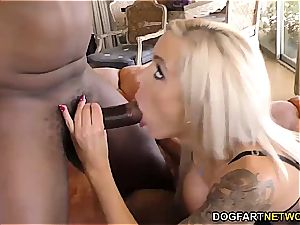 bi-racial foot Fetish porn with Nina Elle