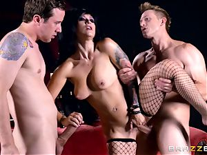 MMF screwing for gothic babe Katrina Jade