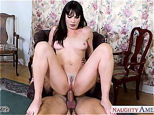 hotty Dana DeArmond greets his bulge inwards