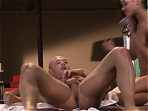 flesh Diamond is on her knees pleading to get drilled