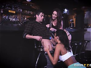 Monique Alexander and August Ames get their vaginas sunk with Xanders salami