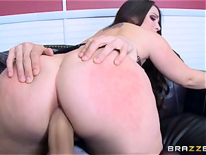 Lola Foxx poked in her chilli ring