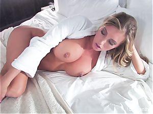blondie hotty Samantha gets ravaged in sofa