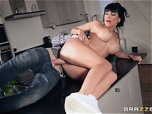 bone fucking Valentina Ricci