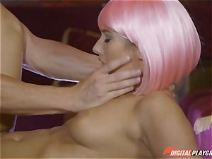 Stripper Eva Lovia open for biz