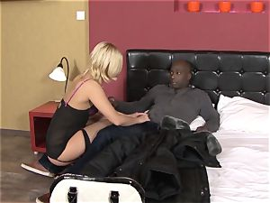 Invited a stranger hotwife trainer to screw light-haired wifey