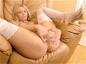 Luiza is a marvelous, euro blondie that looks ravishing in her unspoiled white