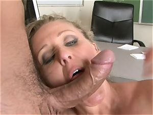 Julia Ann is a gonzo mummy who wants to put her cooch on a firm manstick