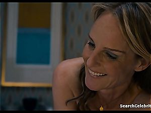 Heavenly Helen Hunt has a clean-shaved snatch for viewing