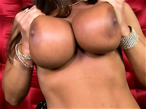 super-sexy Lisa Ann exposes her yam-sized sugary-sweet boobs
